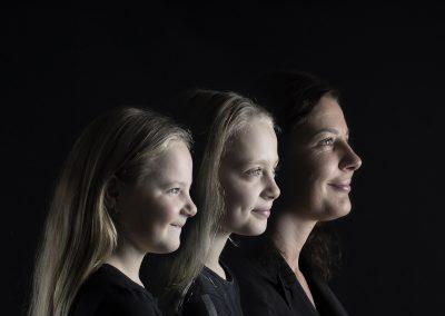 Family Faces semi kleur generatie moeder en dochters diana schouten fotografie hellevoetsluis