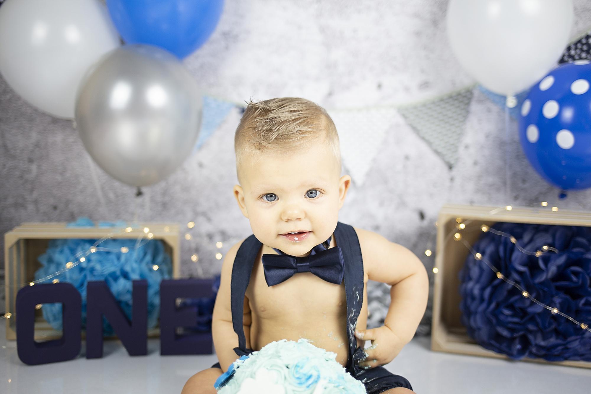 Wonderlijk cake smash fotoshoot 1jaar verjaardag feest badsessie cakesmash FB-92