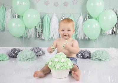 mintgroene cakesmash smullen verjaardag 1 jaar