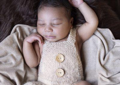 newborn fotografie naturel kleuren baby lifestyle hellevoetsluis zuid holland diana schouten fotografie ook cakesmash zwangerschapsfotografie